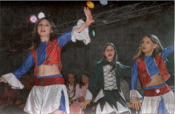 Melanie, Jasmin und Xenia gewannen einen der drei ersten Preise. Bild: Wagner