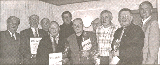 Ehrungen: (v. 1.) Werner Weiß, Ewald Sames, Heinrich Wagner, Otto Dort, Hans Baiser, Erwin Deichert, Karl Reisser, Wolfgang Eisenacher, Frank Steinmüller(Foto: siw)