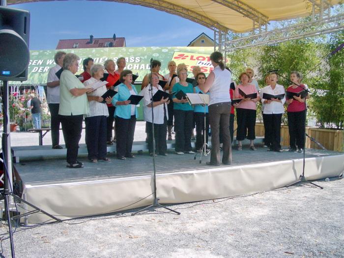 Unser Frauenchor auf der Landesgartenschau in Bad Nauheim