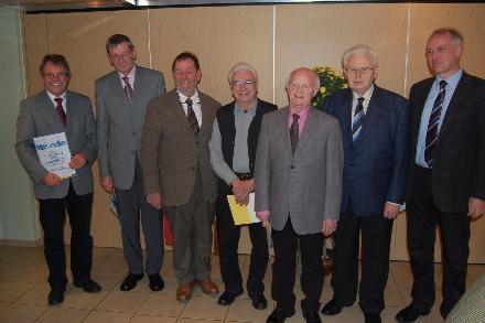 Vorsitzender Frank Steinmüller (r.) ehrte Lothar Pfeiffer, Hans von Rechenberg, Jens Struckmann, Karl Franz, Hugo Stein und Willi Henß (v.l.). Foto: Caspar
