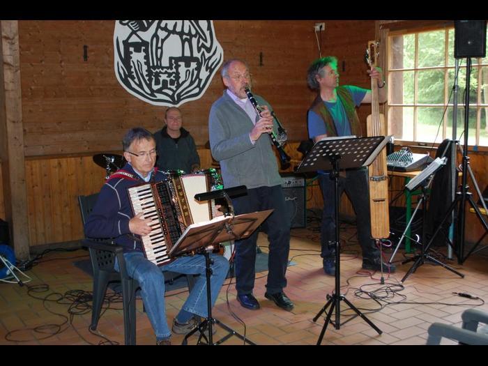 """""""Die Shpielrattzen"""" eröffneten und beendeten das Programm des zweiten Festivals auf Steins Hütte. Fotos: T. Köhler"""